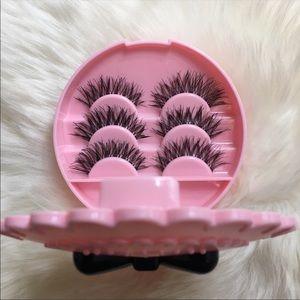 Pink Lash Case With 3 Pairs Eyelashes